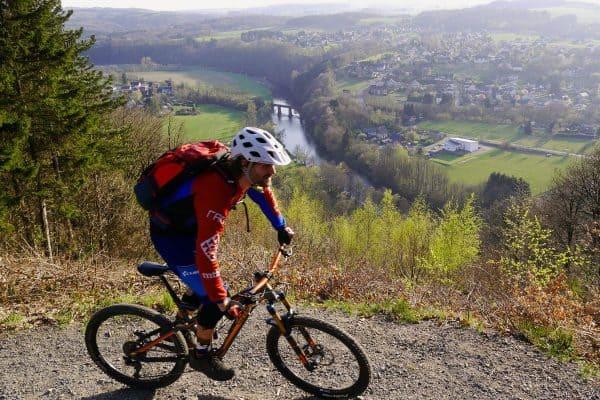 Mountainbike Fahrtechnik Grundlagen udn MTB News