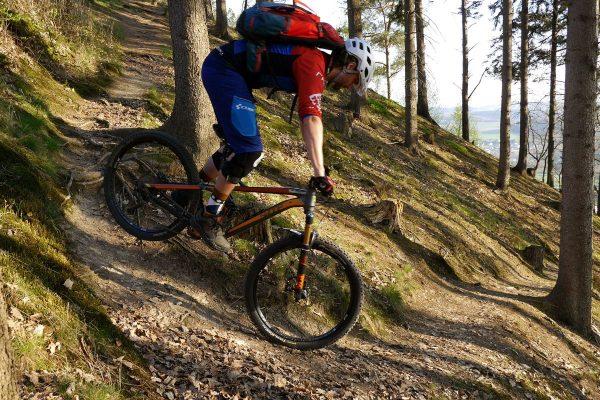 Mountainbike Hinterrad versetzen Fahrtechnik Workshop